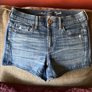 American Eagle size to denim shorts